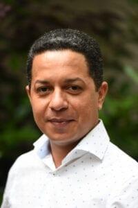 Victor Cartagena geeft taalcursussen Engels, Frans en Spaans in Arnhem en omstreken.